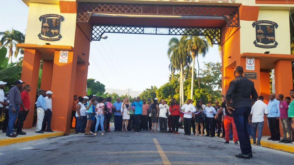 Ayuntamiento de Galván contruye Arco de Entrada al municipio